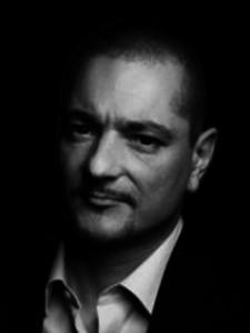 Dr. Markus Roth